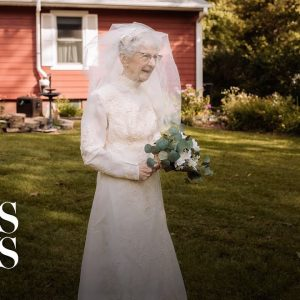 Couple gets wedding redo 77 years after tying the knot